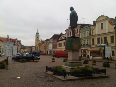 Litomyšl (square, statue of B. Smetana)
