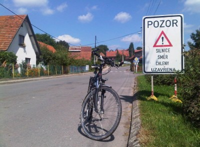 Lhoty u Potštejna - road closed